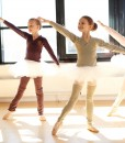 rose-bluse-sakurai-benvarmere-grå-balletkompagniet-bødtcher-design